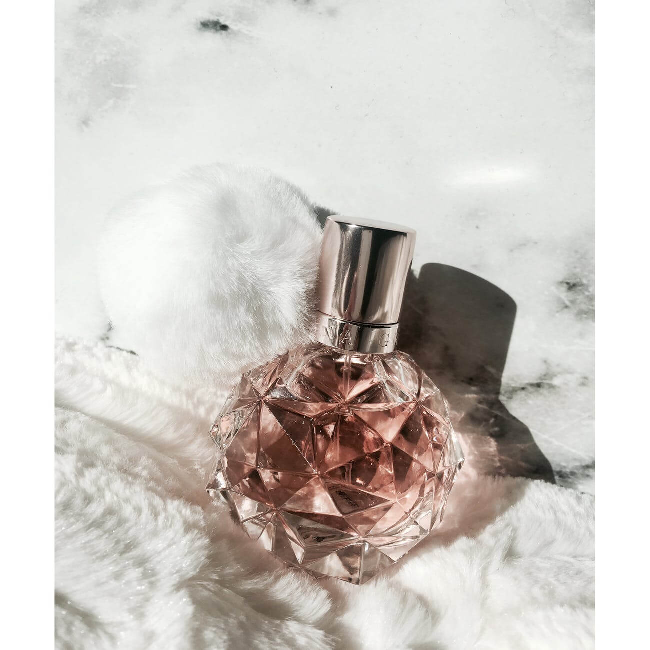Ariana Grande Perfume Review – The Top 8 List